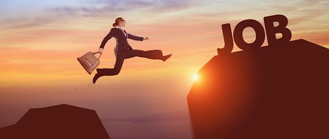 仕事やめるなら起業を視野にいれた転職をしよう【副業もOK】